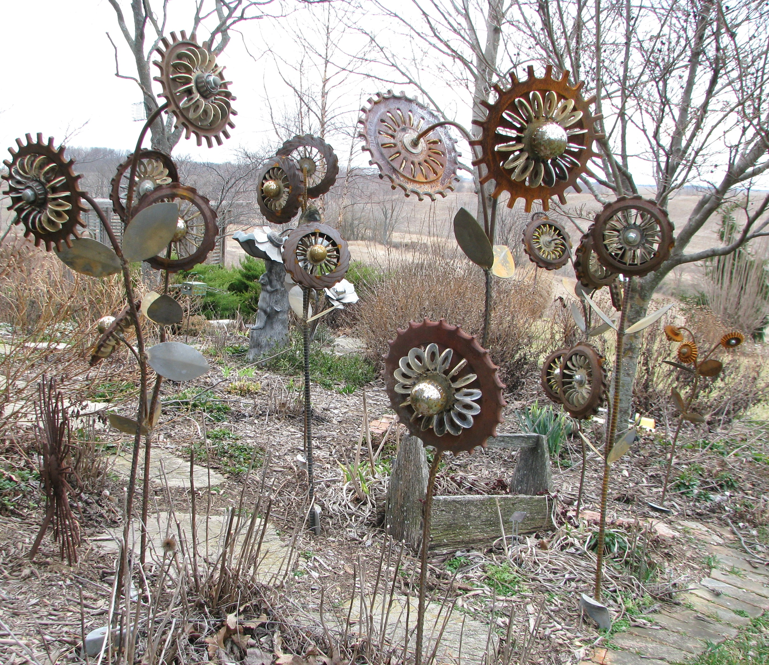 images about metal flowers on   gardens, metal, Garden idea